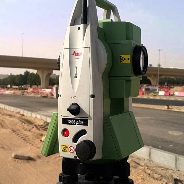 توتال استیشن Leica سری TS06 plus